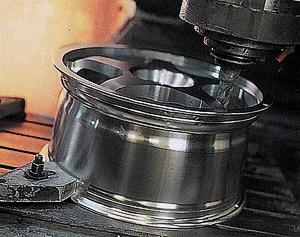 Литые диски, колесные диски, кованые диски